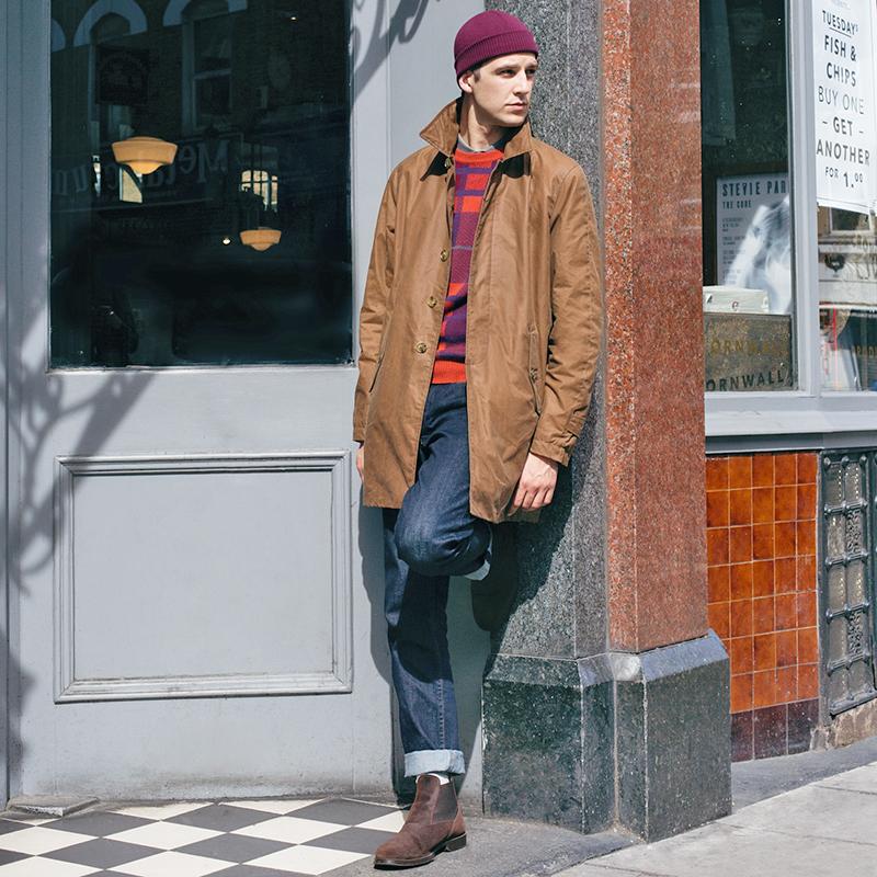 Braune Jacke, Mütze