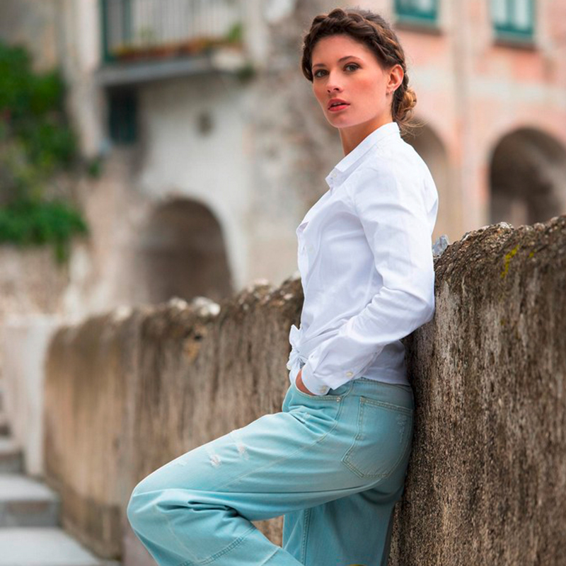 Mauer, Casual Outfit, Frauen